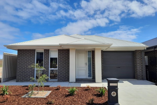 Invest Property Front elevation Seaford Meadows